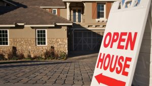Should You Hold an Open House?